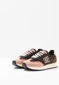mtng - NORA  - Sneakers - soft rosa/kaky/yoda natural - 4