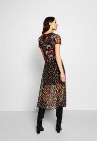 Desigual - VEST CALGARY - Shirt dress - marron - 2