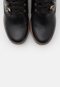 Panama Jack - PHOEBE BROOKLYN - Kotníkové boty na platformě - black - 5