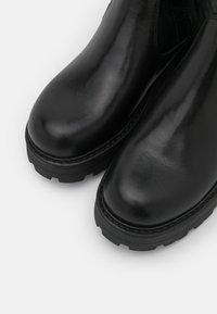 Vagabond - COSMO - Platform boots - black - 3