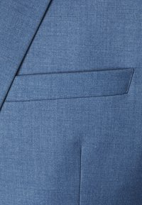 Isaac Dewhirst - THE FASHION SUIT NOTCH - Puku - blue - 9