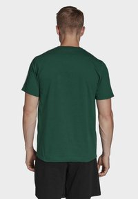 adidas Performance - ESSENTIALS 3-STRIPES T-SHIRT - T-shirts print - green - 1