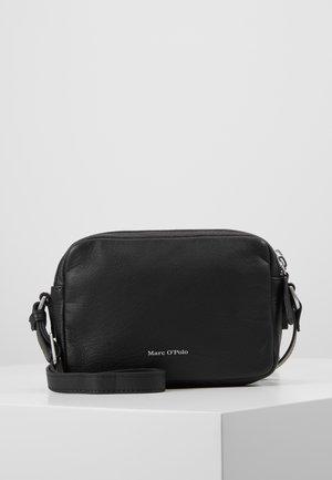 CROSSBODY BAG - Umhängetasche - black