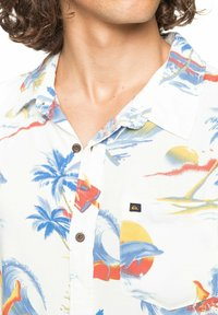 Quiksilver - Shirt - snow white tropical print pack - 3