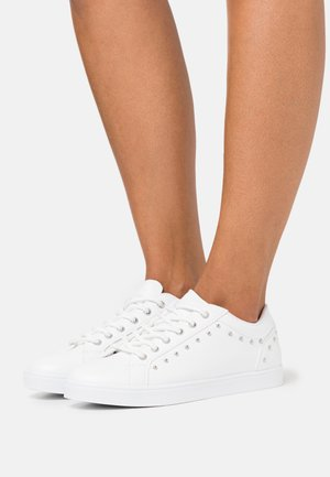 STUDDED  - Trainers - white
