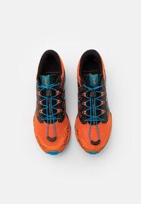 ASICS - GEL FUJITRABUCO SKY - Trail running shoes - marigold orange/digital aqua - 3