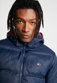 Tommy Jeans - ESSENTIAL JACKET - Down jacket - black iris - 4