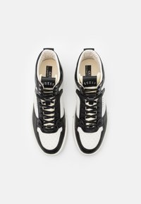Guess - VERONA MID SPORT - High-top trainers - white/black - 3