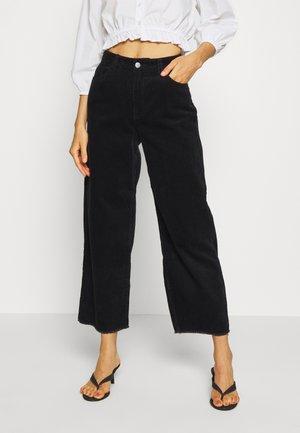 JDYKIRA LIFE  - Spodnie materiałowe - black