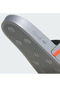 adidas Originals - ADILETTE UNISEX - Mules - halo silver/solar red/solar red - 8
