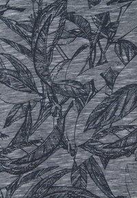Jack & Jones - JORLEFO TEE CREW NECK - T-shirt con stampa - navy blazer - 2