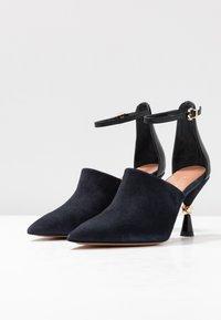 MAX&Co. - ACUTI - High Heel Sandalette - navy blue - 4