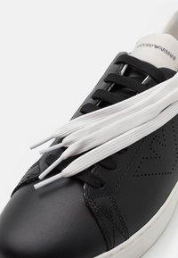 Emporio Armani - Sneakers laag - black/white - 5