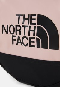 The North Face - BASE CAMP DUFFEL S UNISEX - Sports bag - light pink/black - 6