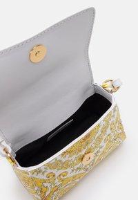 Versace - BAG - Across body bag - black/white/gold/gold - 2