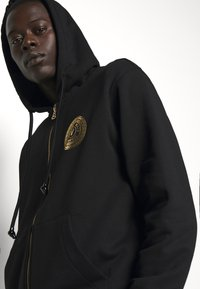 Versace Jeans Couture - FULL ZIP HOODIE WITH LOGO - Bluza rozpinana - nero - 4