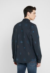 PS Paul Smith - MENS TAILORED FIT SHIRT - Košile - navy - 2