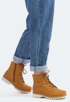 RAE - Winter boots - tan