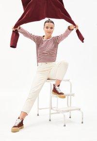 ARMEDANGELS - PALINAA  - Long sleeved top - kitt-ruby red - 3