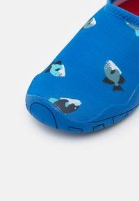 Reima - LEAN UNISEX - Sandály do bazénu - blue - 5