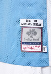 Mitchell & Ness - MICHAEL JORDAN NORTH CAROLINA - Club wear - light blue