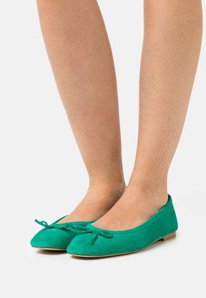 LYZA - Ballet pumps - vert