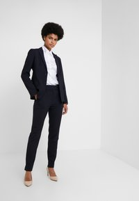 HUGO - THE CROPPED TROUSER - Trousers - navy - 1