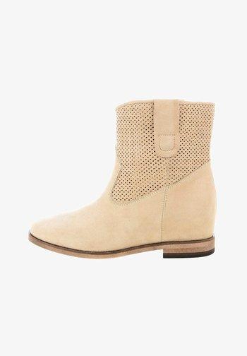 WELSBERG - Cowboy/biker ankle boot - beige