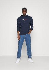 Tommy Jeans - LINEAR LOGO HOODIE UNISEX - Hoodie - blue - 1