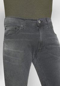 Replay - TITANIUM MAX - Slim fit jeans - medium grey - 5