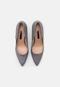 Dorothy Perkins - DELE SHIMMER COURT - Zapatos altos - pewter - 5