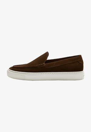 Loafers - brown