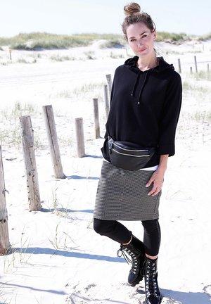 ROCK - Pencil skirt - schwarz