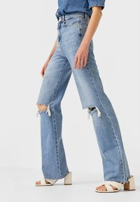 Stradivarius - Jeans Straight Leg - light blue - 0