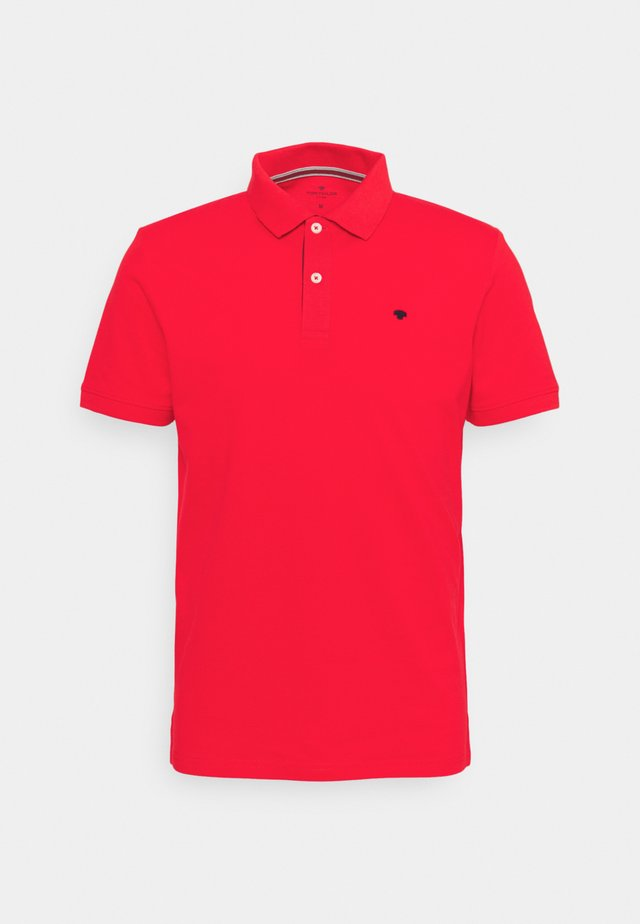 BASIC WITH CONTRAST - Koszulka polo - powerful red