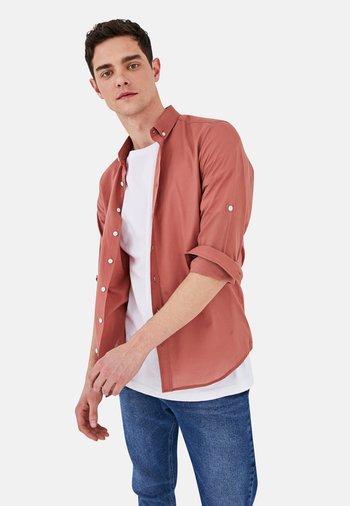 SLIM FIT - Shirt - pink