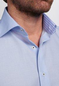 Eterna - MODERN FIT - Shirt - light blue - 2