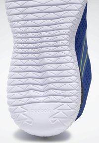 Reebok - REEBOK FLEXAGON ENERGY SHOES - Neutral running shoes - blue - 10