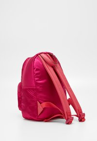 Guess - TILLY SMALL BACKPACK - Rugzak - fuxia - 1