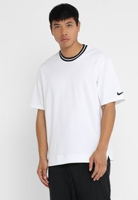 Nike Performance - DRY HOOP FLY - Print T-shirt - white/black - 0