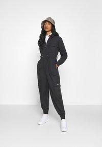 Nike Sportswear - UTILITY - Combinaison - black/white - 1