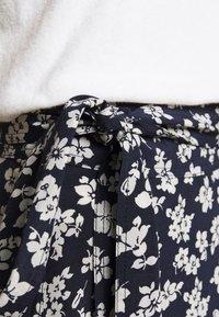 Polo Ralph Lauren - Zavinovací sukně - navy/cream - 3