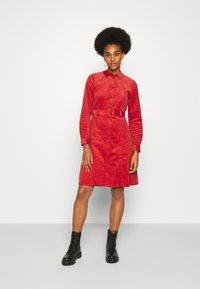 Nümph - NUMAURYA DRESS - Denní šaty - barn red - 1