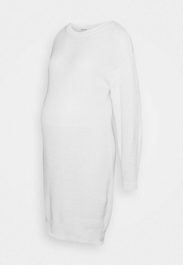 PCMSIMMY  - Pletené šaty - cloud dancer