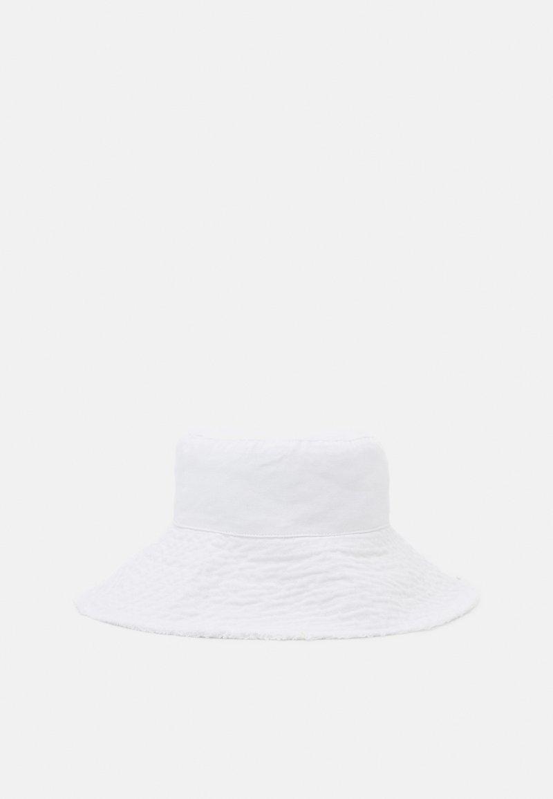 Topshop - WIDE FRAY SUN BUCKET - Klobouk - white
