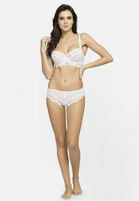 Avant-Garde Paris - SET - Underwired bra - white - 1