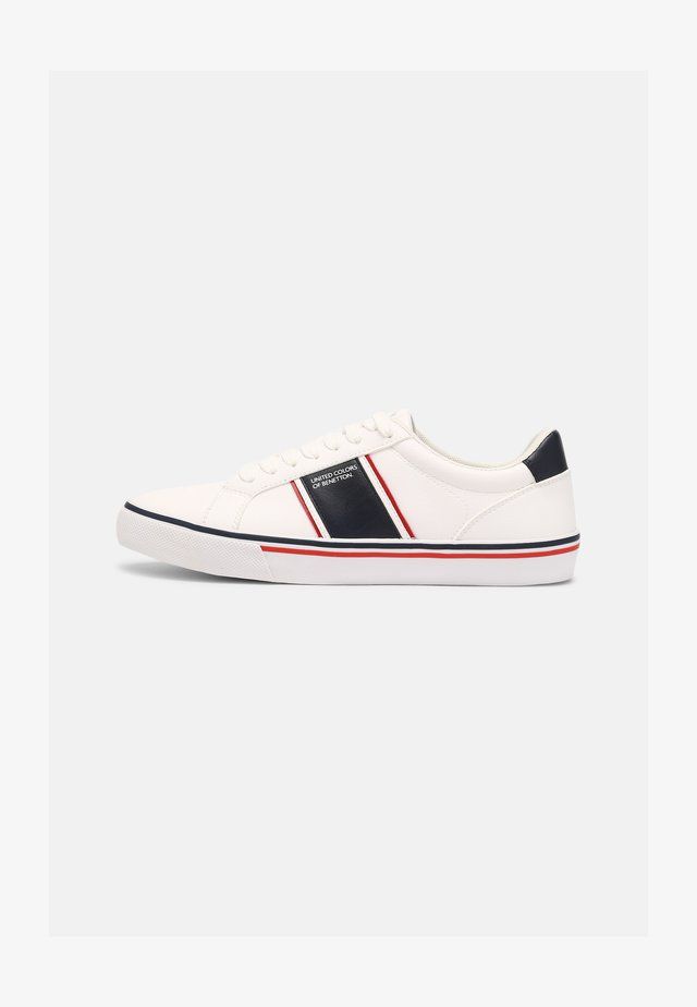 CRISPY - Sneakers basse - white/navy