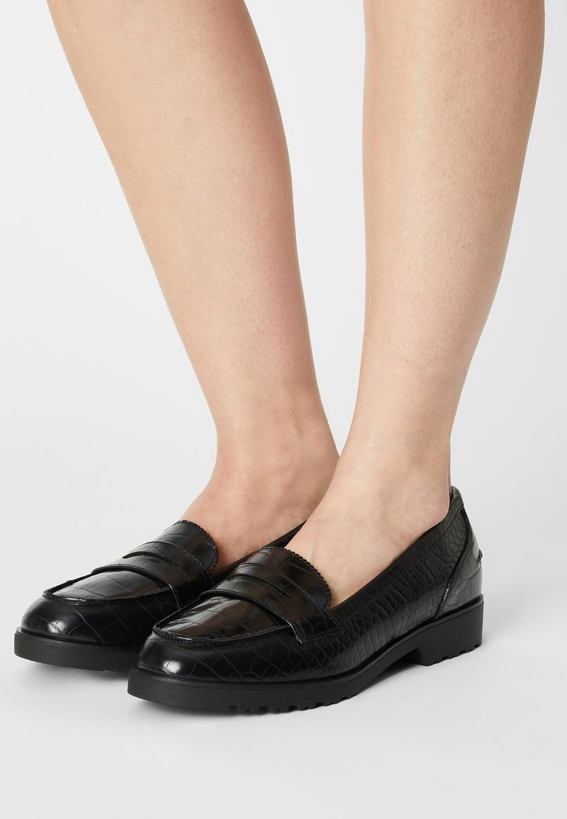 Dorothy Perkins Wide Fit - WIDE LINCOLN CHUNKY CROC LOAFER - Mocassins - black