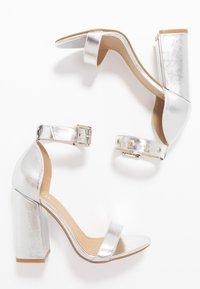 RAID - NARISSA - Sandály na vysokém podpatku - silver - 3