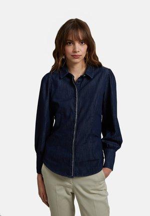 CON CATENELLA - Button-down blouse - blu
